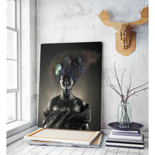 Πίνακας σε Καμβά : Portrait of a beautiful alien lady with an unusual hairstyle